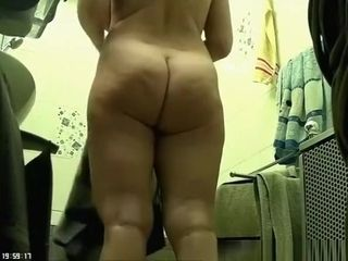 Chubby wife caught in bathroom drying