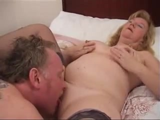 Large-Breasted brit Housewife loves pussy eating